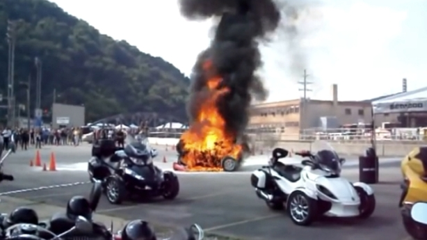 the-nhtsa-investigates-can-am-fire-reports-video-85102-7